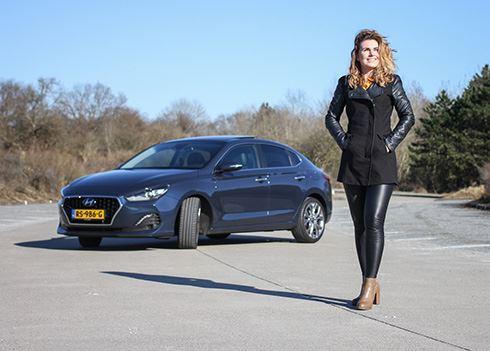 FemmeFrontaal test Flirt Factor van de Hyundai i30 Fastback