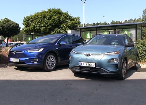 KONA Electric versus Tesla Model X in rit over 1.000 km: wie wint?