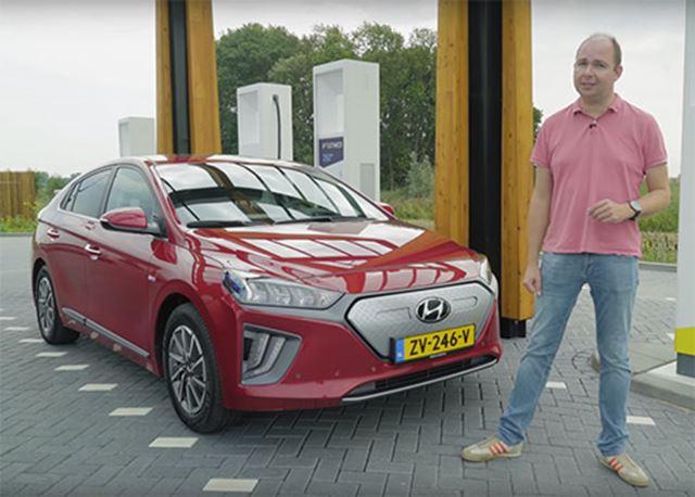 IONIQ Electric verslaat Nissan Leaf